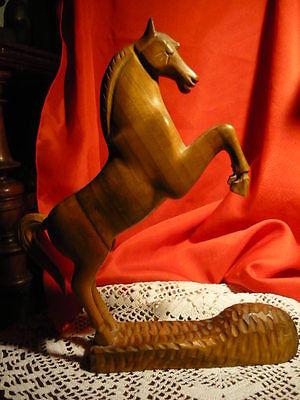 Aufstrebend Alte Holz Skulptur Steigendes Pferd Elegante Saubere Arbeit 23 Cm Hoch 19 Lang