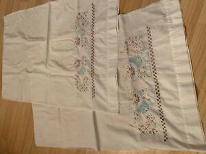 VTG-Set-of-2-Hand-Embroidered-Pillowcases-White-Blue-Pink-Cat-Design-Border
