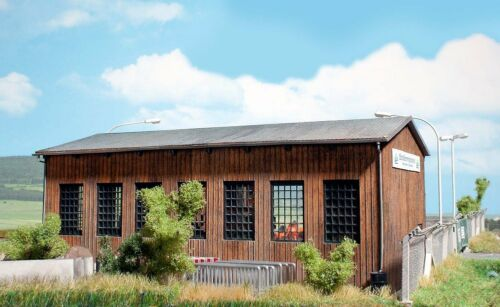 HS Busch 1456 KIT per una moderna sala del veicolo in vero legno