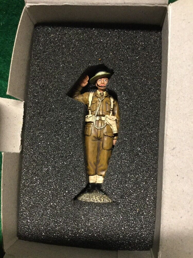 KING AND COUNTRY EA034 BRITISH 8TH ARMY GURKHA OFFICER SALUTING