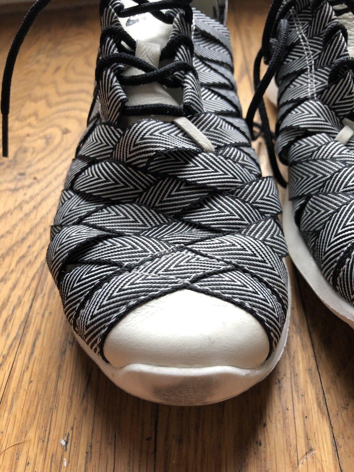 Nike Juvenate Woven Peemium Womens Shoe Size 6 - image 2