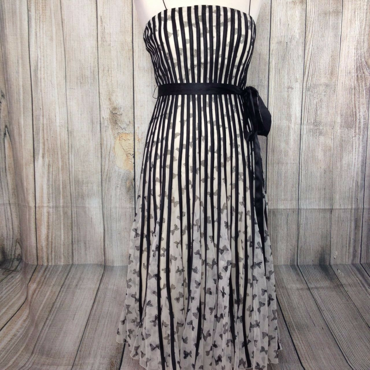 NEW - Beautiful White Bow Print PHASE EIGHT Dress Size 12 RRP
