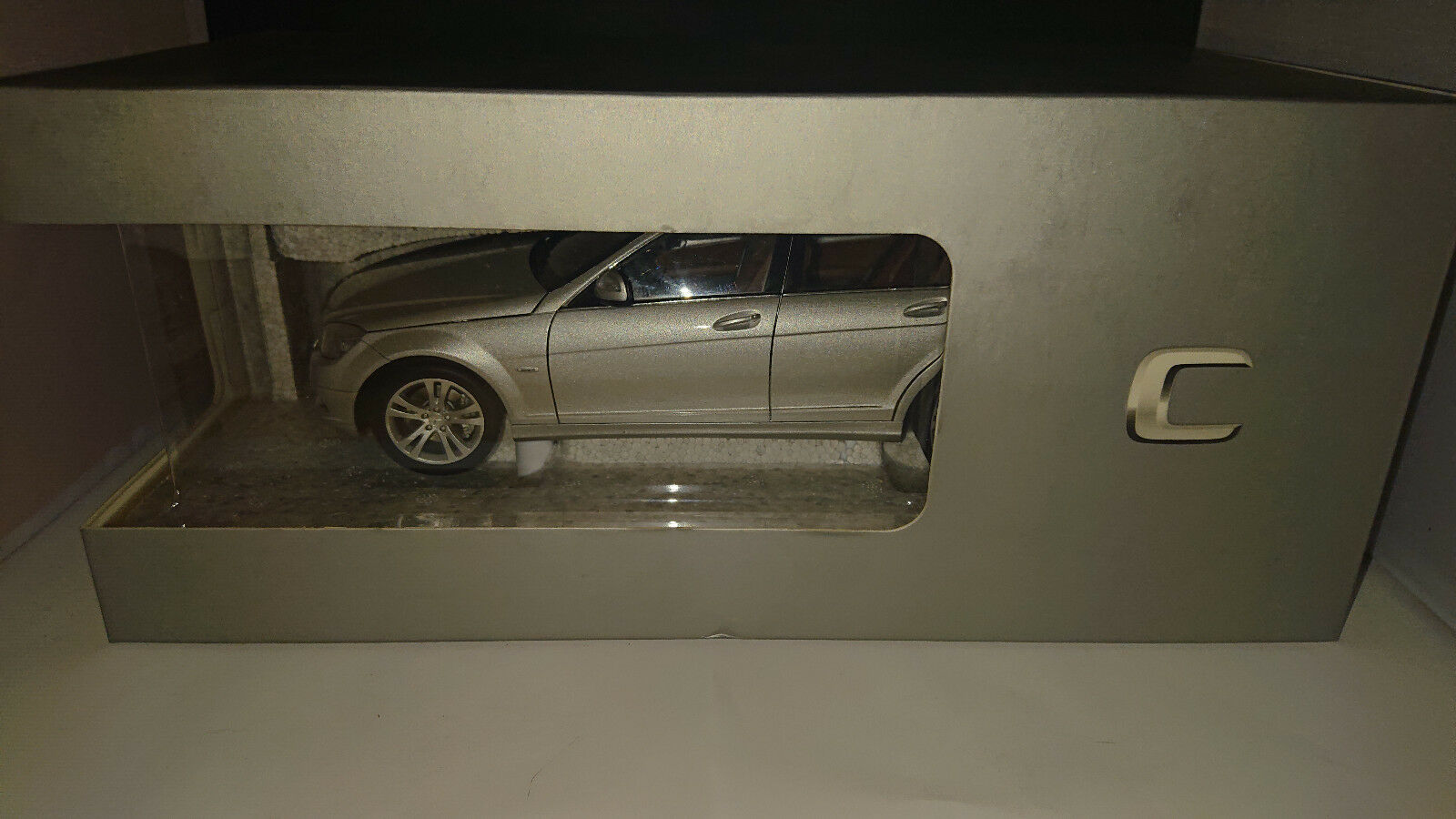 1 18 Autoart Mercedes Classe C c350 AVANTGARDE argentmet. w204 NEUF neuf dans sa boîte