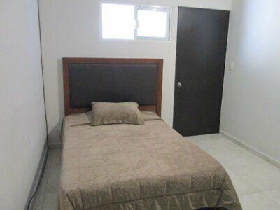 Renta de recámaras en Juriquilla, baño propio y servicios incluidos!