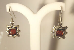 Sterling-Silver-Decorative-Amber-Drop-Dangle-Earring