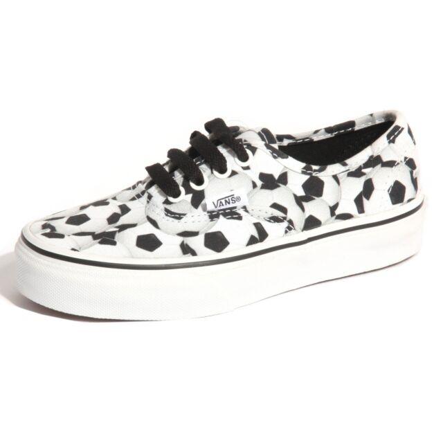 ef1e3dd83b VANS Authentic Boys Football Skate Shoes Size UK 13 Junior Soccer ...
