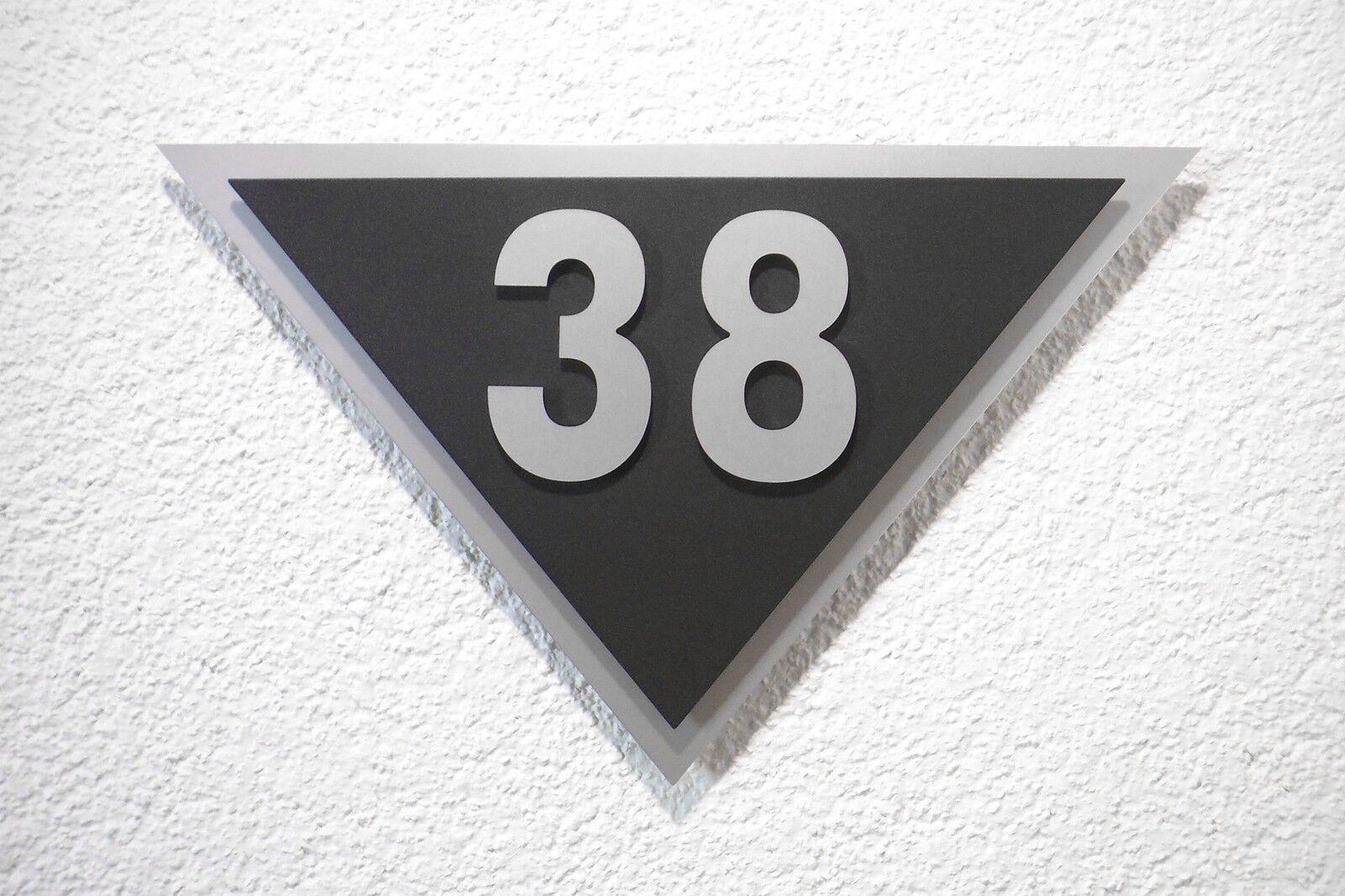 Hausnummer Silber Schwarz Design Venus Zahl aus 10 Schriftarten zur Wahl
