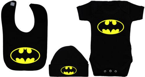 Batman Baby Grow Combinaison ange feeding Bib /& Chapeau//Bonnet 0-12 M garçon fille Acce Cadeau