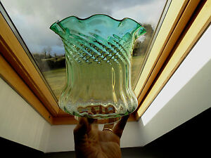 BRITISH QUALITY CRYSTAL GREEN/CLEAR GLASS DUPLEX OIL LAMP SHADE.