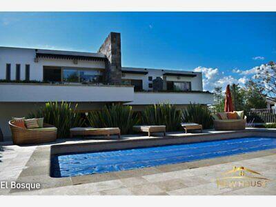 casa en exclusivo country club con alberca, terraza techada con tv, 5 habitaciones en zona norte