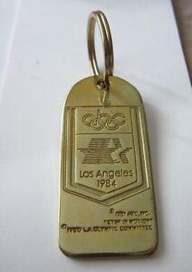 1984 Los Angeles Olympics ABC media BADGE KEY RING-  mostra il titolo originale - Italia - 1984 Los Angeles Olympics ABC media BADGE KEY RING-  mostra il titolo originale - Italia