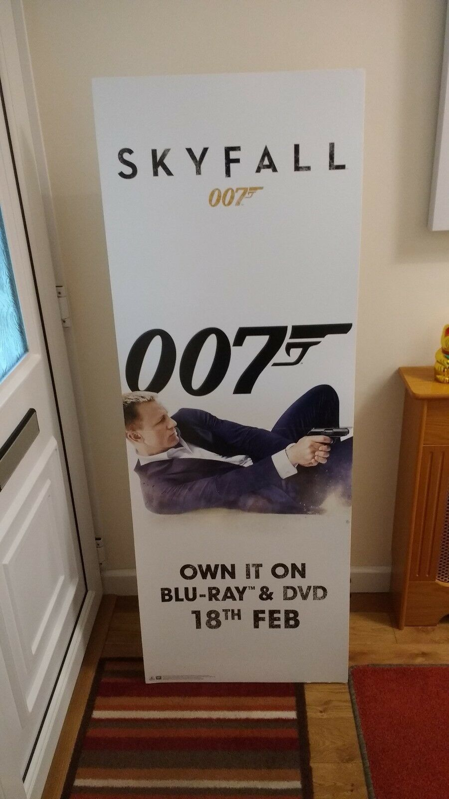 007 JAMES BOND SKYFALL ADgreenISING STANDEE.