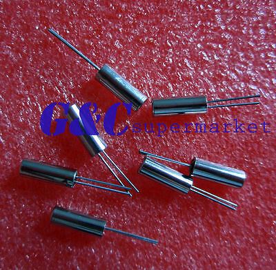 50pcs 32.768 KHz / 32768HZ Tuning Fork Watch Crystal 6PF 3mm x 8mm  NEW  C1