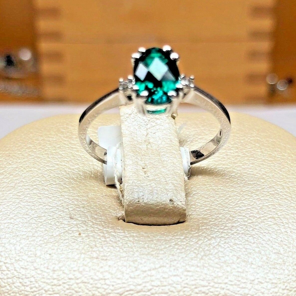 BRAND NEW 14K White gold May Birthstone Ring with Emerald and 2 Diamonds