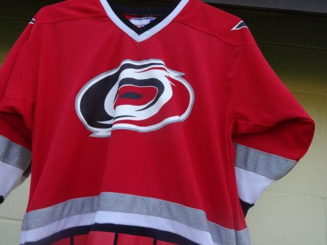 Carolina Hurricanes Away NHL Hockey Jersey CCM Size L XL Red  a6d36d6f6