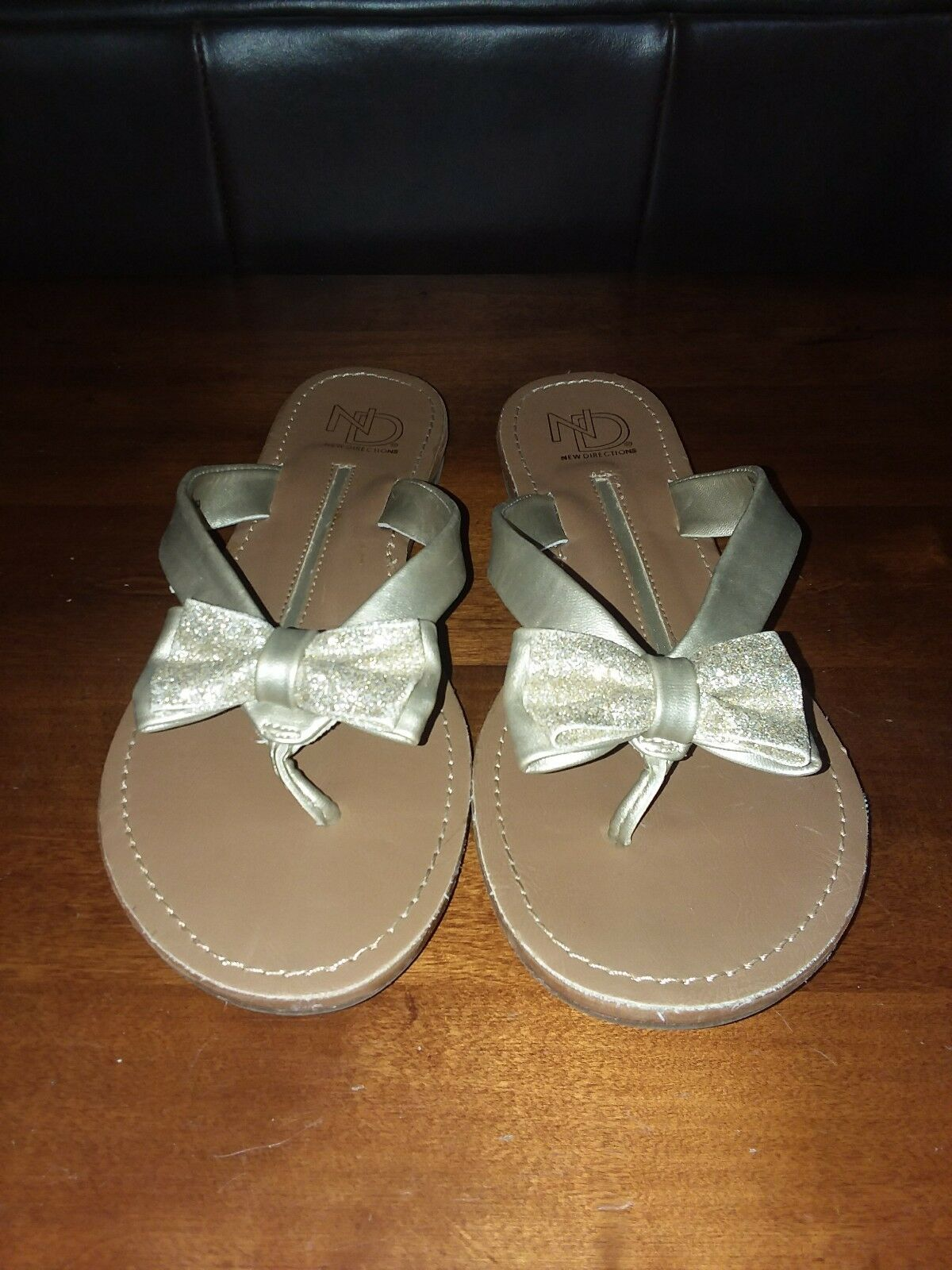 ND New Directions Ladies Womens Size Gold Sandals Shoes  Size Womens 7 Very Nice 983f82