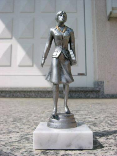 PP1231 Geschäftsfrau  ABI Auszeichnung Mitarbeiter des Monats inkl Gravur Pokal