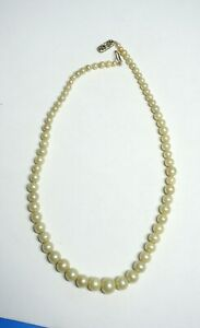 975beb51e97f5 Details about Vintage 14K White Gold (Clasp w/Diamond Chip) Graduated Pearl  Necklace