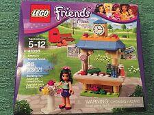 Lego Friends 41098 Emma's tourist kiosk roller skates mail newspaper flower