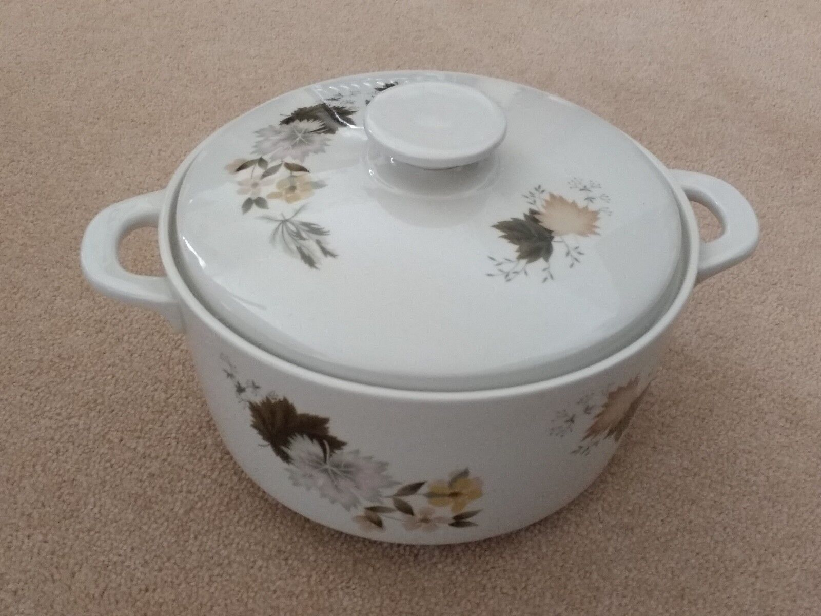 Royal Doulton Westwood  Oven to Table  Covered Casserole Dish 3pt
