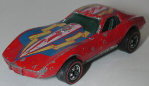 Redline-Hotwheels-Red-1976-Corvette-Stingray