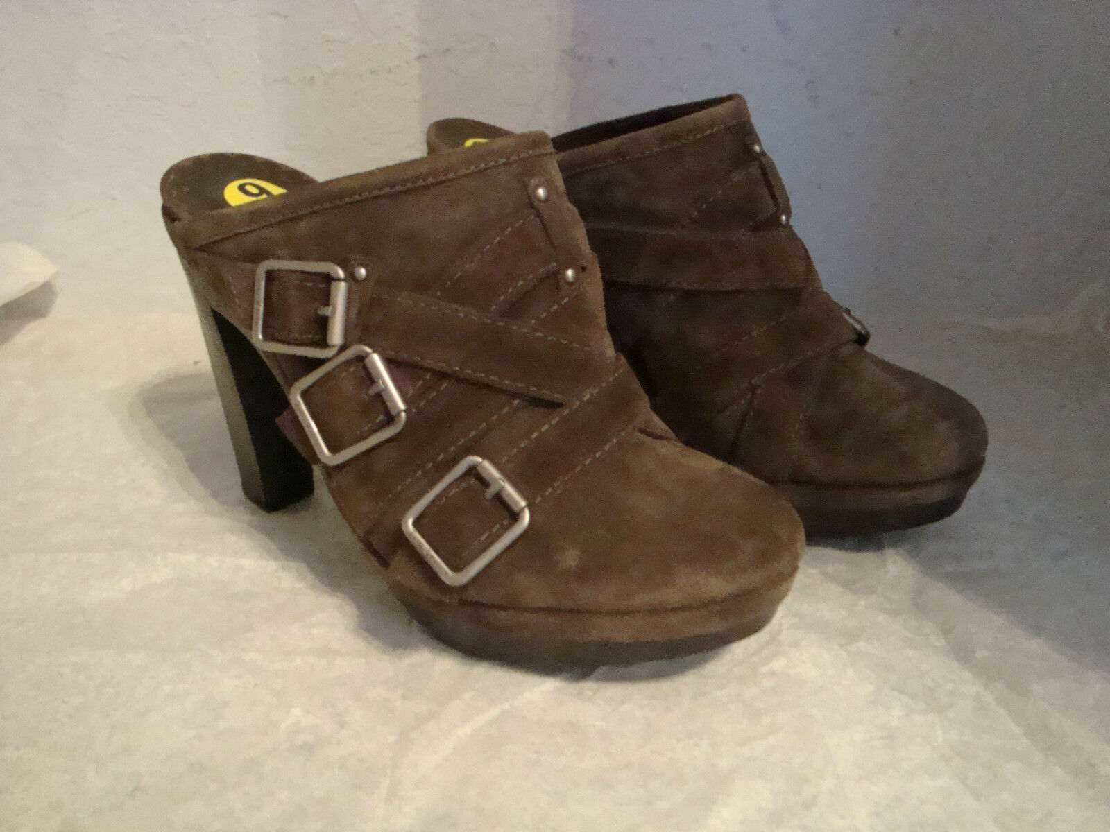 NEU Juicy Couture Damenschuhe Light Braun Clogs Stiefel 9 Medium