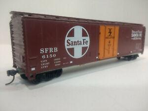 HO-Scale-50-039-DF-Insulated-Plug-Door-Boxcar-SANTA-FE-SFRB-6150