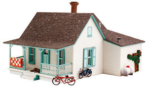 Woodland-Scenics-N-PF5206-Country-Cottage-Pre-Fab-Building-Kit-New