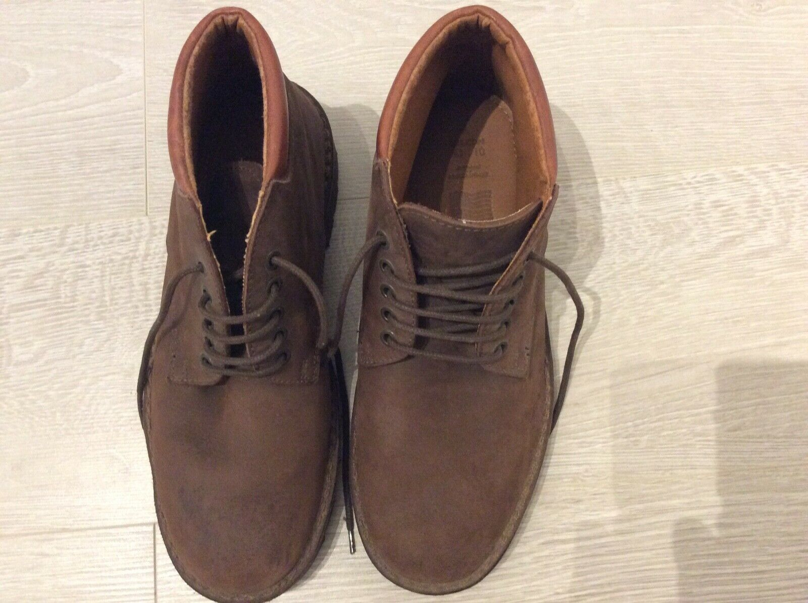 Marks & Spencer Men's brown lace up boots. Size 9. NEW. Leather uppers. Nubuck l