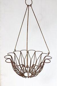 Sm Wrought Iron Tulip Hanging Basket