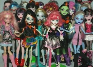 List-2-Monster-High-Dolls-inc-Some-Original-Accessories-Choose-from-Various