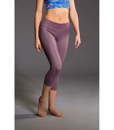 Onzie Hot Yoga Capri 202 Purple Fishnet