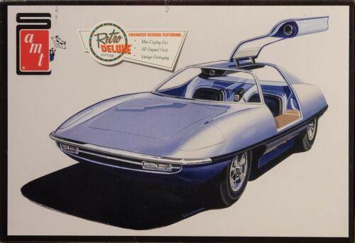 Piranha Spy Car Retro Deluxe in 1:25 AMT Model Kit Bausatz AMT900