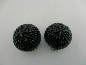 VINTAGE-GLASS-BEAD-ROUND-BALL-CLIP-ON-EARRINGS-1-034