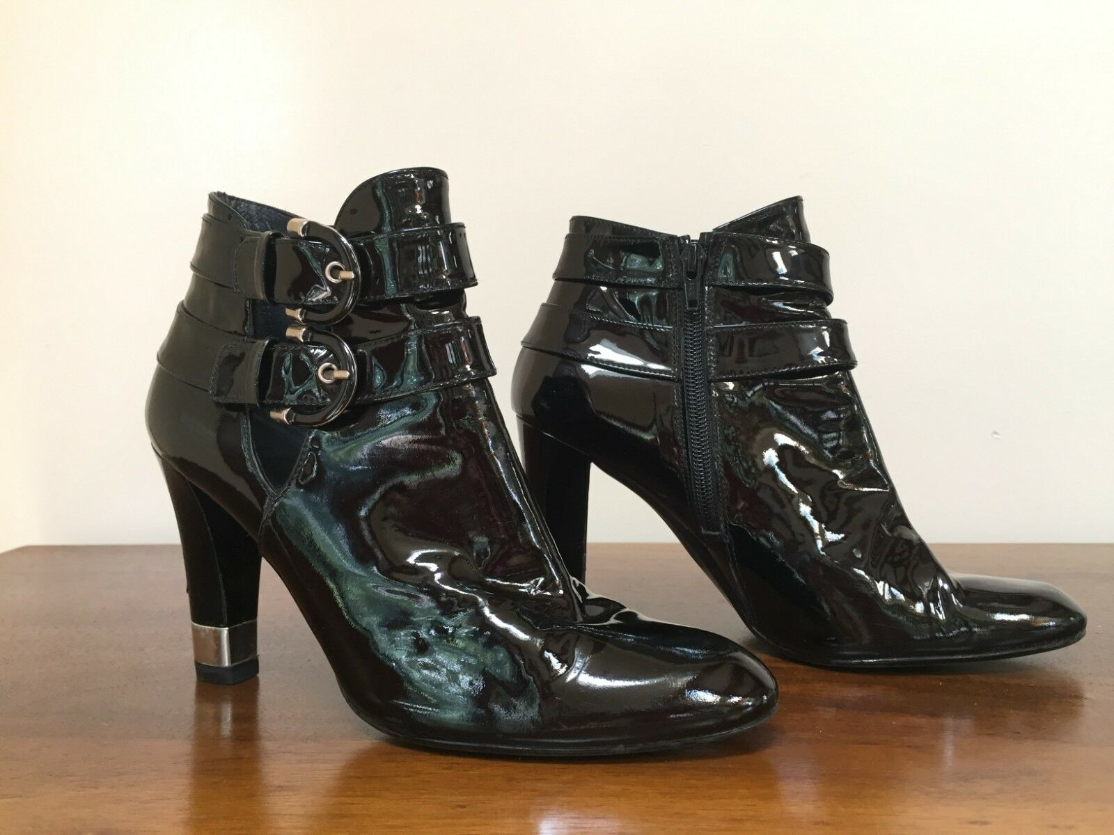 Stuart Weitzman PATENT LEATHER Ankle bottes démarrageies with Buckles  Taille 8