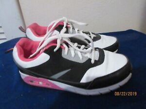 Ladies size 5 Danskin Now walking shoes