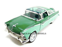 1955 Ford Fairlane Crown Victoria Green 1:18 Model Car By Road Signature 92138