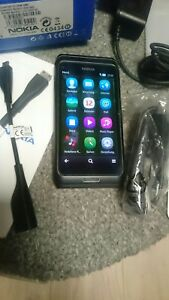 Nokia-E7-00-Schwarz-ohne-Simlock-Smartphone-Neuwertig