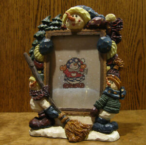 Boyds-Carver-039-s-Choice-Frame-370301-BARNABY-039-S-SNOW-SWEEP-SERVICES-3-5-034-x5-034-pic