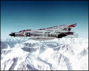 USN-F-4-Phantom-Formation-VF-11-Red-Rippers-CV-59-1977-8x10-Aircraft-Photos