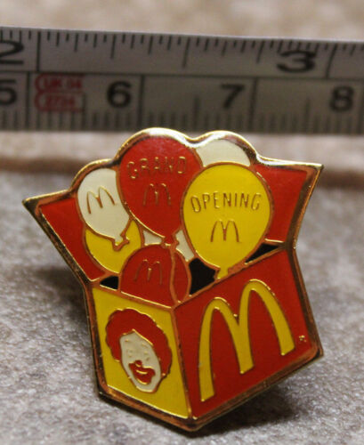 McDonalds Store Grand Opening Ronald Balloons Collectible Pinback Pin Button