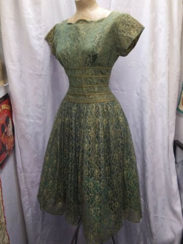 Vintage 1950's Green & Gold Lace Tulle & Rayon Coc