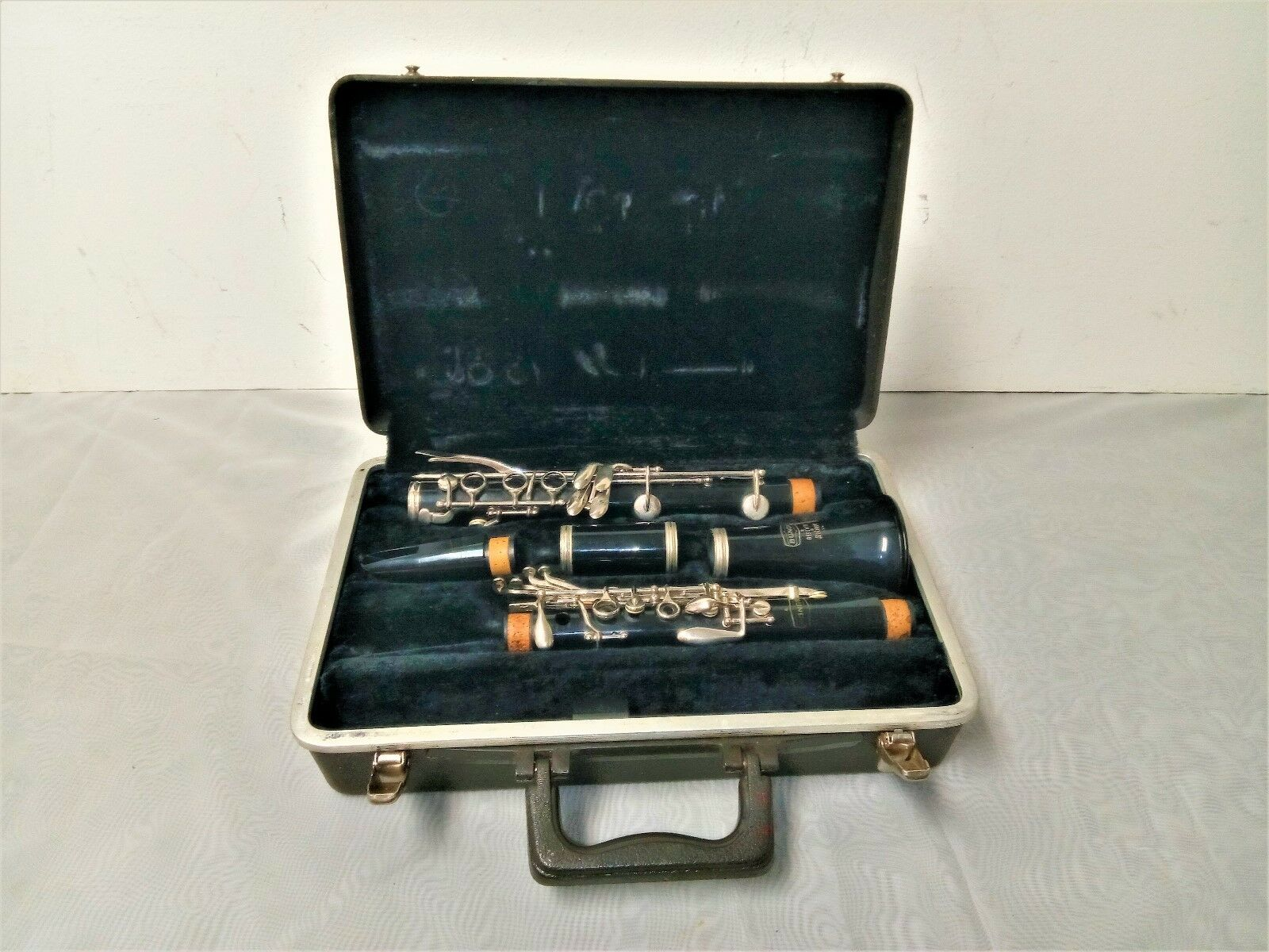 Bundy Resonite Clarinet Student Model with Hard Case - Ready to Play