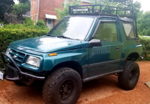 1996 Geo TRACKER 4X4 2-door Convertible, 5-speed,  LOW MILEAGE (