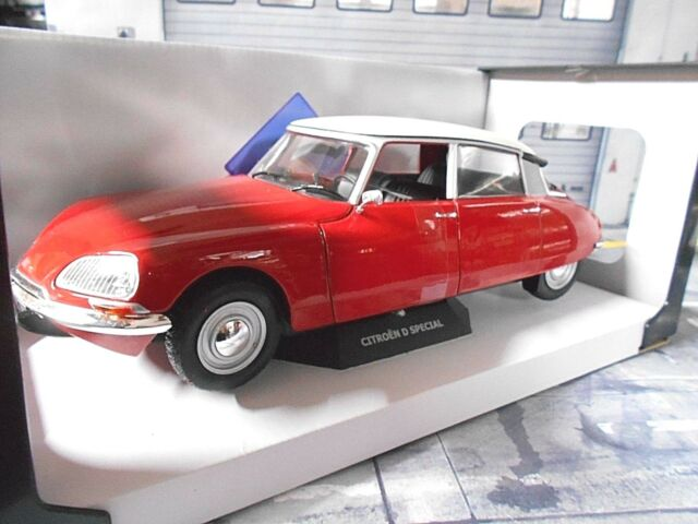 CITROEN DS Special rot red Camargue 1972 421184190 NEU Solido 1:18