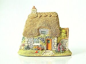 Lilliput-Lane-Ladybird-Cottage-Collectable-Vintage-Ornament-With-Deeds