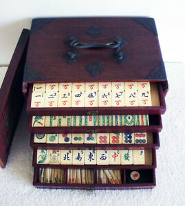 Vintage-1920s-148-Tiles-Chinese-Bone-amp-Bamboo-Mahjong-Set