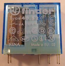 2 Stück FINDER 2xUM - 8A  24V /Steck-Printrelais / 40.52.9.024.0001 (AE26/9009)