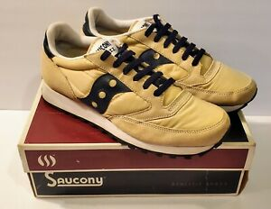 Shoes Lifestyle Beige Navy Sneakers