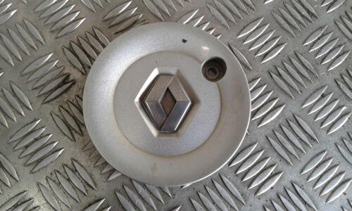 3 RENAULT Clio III - 8200231128 Modèle KIMONO Centre roue Enjoliveur Jante